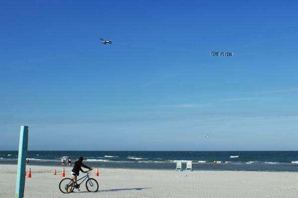 gal-sk-09-time-flyingAD263C6A-F032-470E-9024-B1FFFB62CD3F.jpg